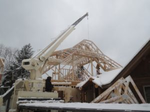 crane putting up trusses, picture by john Huisman